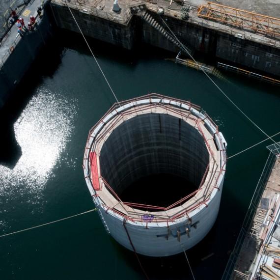 CHARIER dragage, enrochement, passerelle Quai des Flotilles - 2011 2012 BREST