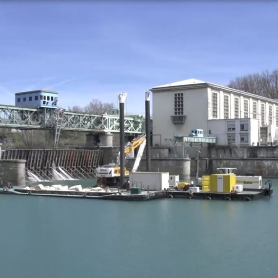 BUESA dragage à l'aval du barrage de seyssel 2015