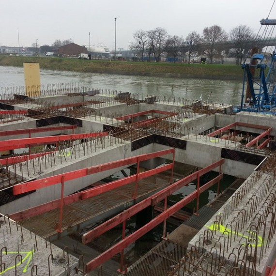 CHARIER - Construction d'une estacade Darse 6 Port de Gennevilliers - 2015