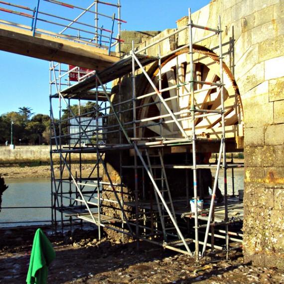 CHARIER restauration des piles et du brise-lame de la petite jetée EST - port des sables d'olonne 2015