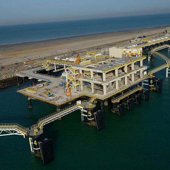 EMCC - Construction de l'appontement pour méthaniers - Terminal méthanier de Dunkerque 2015