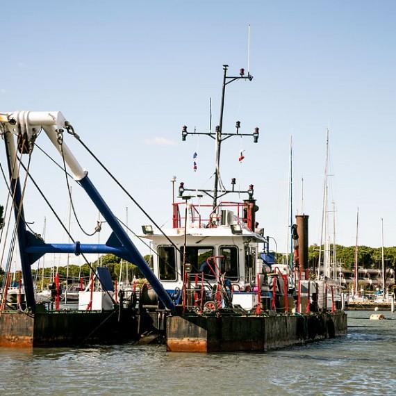 EMCC - Dragage et gestion des sédiments - Port Camargue 2014