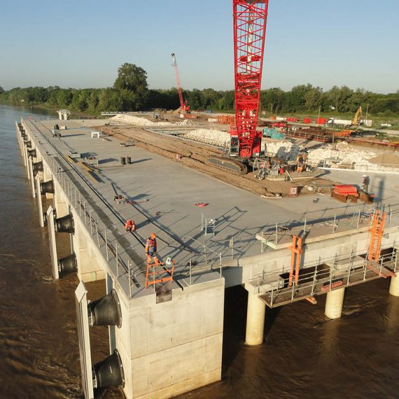 Bordeaux (33) - Construction de l'appontement du terminal de Grattequina