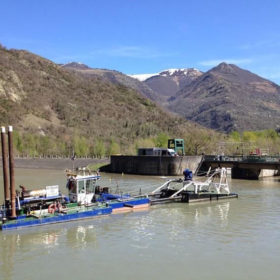 TOURNAUD - Curage d'urgence du barrage de Plan d'Arem - FOS (31) 2014