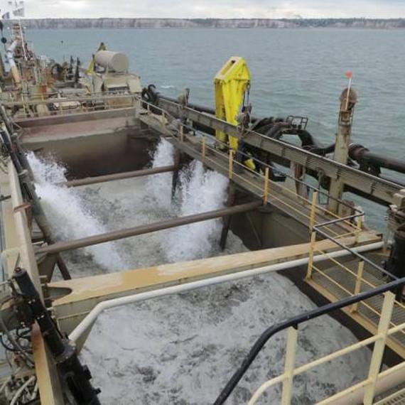 Eco Systèmes de Dragage - Dragage d'entretien des Ports de la Manche - 2014