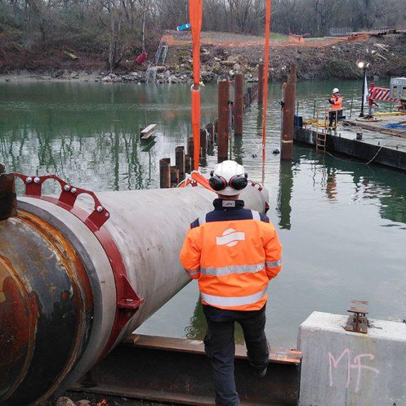 MAIA FONDATIONS Pose d'une conduite sous fluviale à Vaulx en Velin