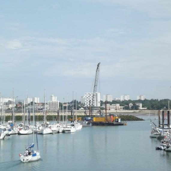 ETCHART construction pieux guides pour pontons flottants - port-des-minimes - la rochelle 2013