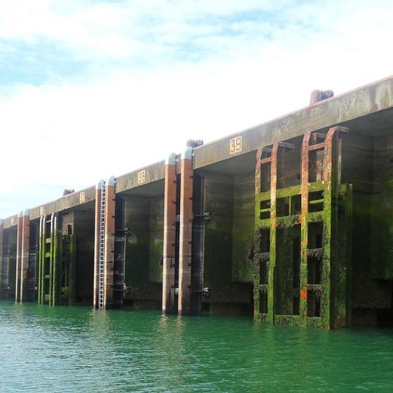 Spie batignolles nord - Port de Boulogne sur Mer - remplacement des défenses d'accostage du Quai de l'Europe 2010