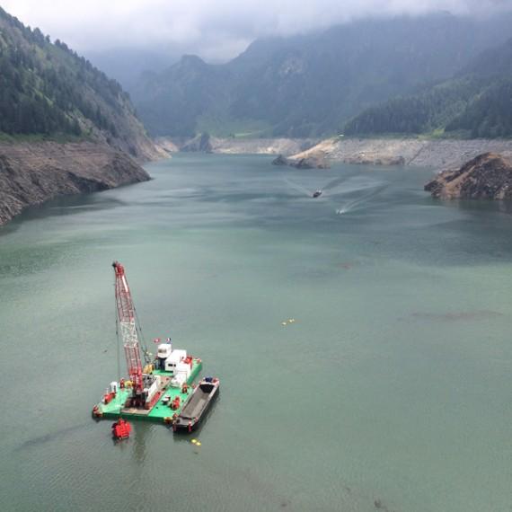 TOURNAUD dragage du barrage de luzzone en suisse 2016