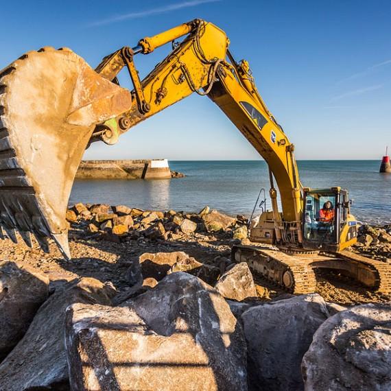 TPC - Pose d'enrochements Port du Becquet 2014