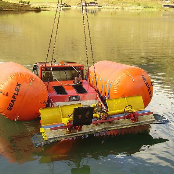 HYDROKARST - Renflouage d'une dameuse au lac de Tignes - Septembre 2010