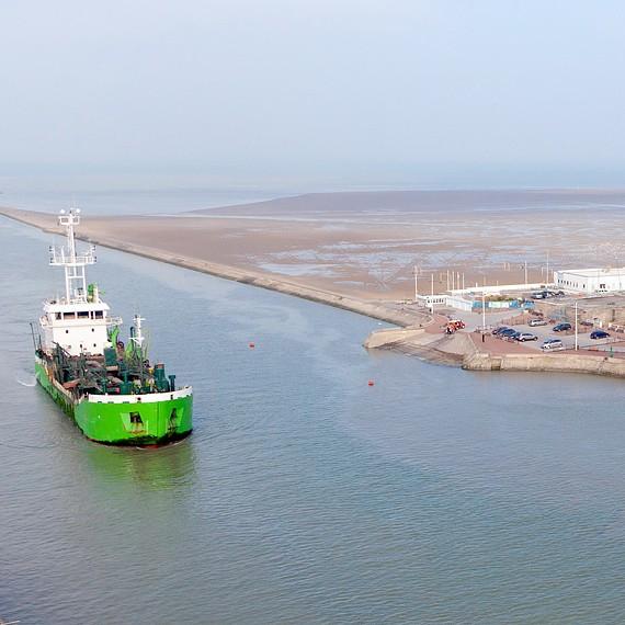 SDI - Dragages d'entretien dans le port de Gravelines - 2012