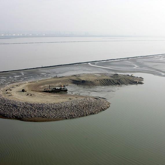 ATLANTIQUE DRAGAGE - Construction d'un ilot artificiel dans l'estuaire de la Seine - 2004/2005