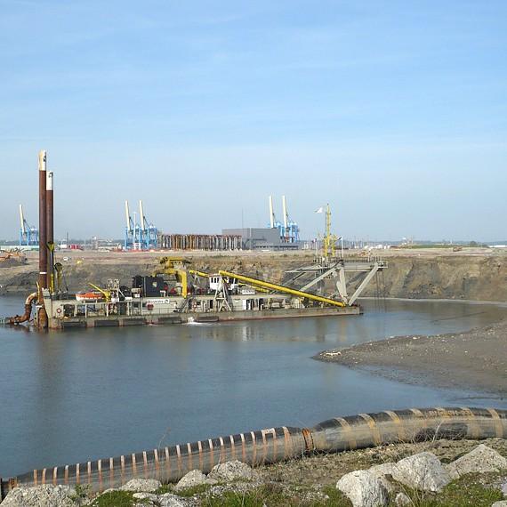 ATLANTIQUE DRAGAGE - Construction des postes 5 à 10 avec leur souille à -17m CMH - Grand Port Maritime du Havre - 2008/2010