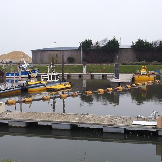 Eco Systèmes de Dragage - Dragage d'entretien des ports de pêche et de plaisance au Tréport - 2013