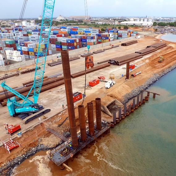 EMCC - Construction qu'un quai - Port de Lomé au Togo - 2013
