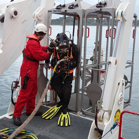 HYDROKARST - Pose de câble, enfouissement et mise en place Protection Coquille - Parc Hydrolien de Paimpol - Avril / Juin 2012