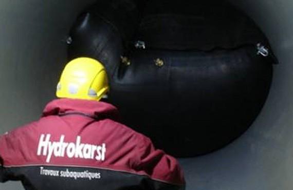 HYDROKARST - Mise en place d'un obturateur et installation d'un système pneumatique ( bulleurs ) - Barrage de l'Hongrin, Suisse - 2013
